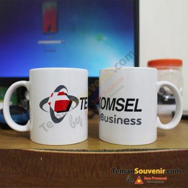 Souvenir Promosi MK 01 - Telkomsel barang promosi, barang grosir, souvenir promosi, merchandise promosi