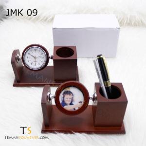 Jam Meja Kayu JMK 09,souvenir promosi,merchandise promosi,barang promosi,barang grosir