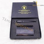 Gifset 2 in 1-NC 14 & Pen metal 30,souvenir promosi,barang promosi,merchandise promosi,barang grosir