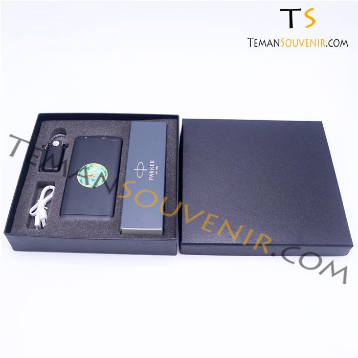 Gifset 3 in 1 Pen parker,UKT 01 & Powerbank