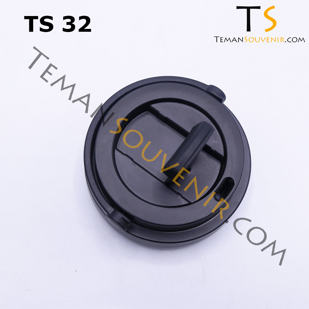 TS 32 D